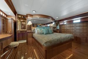 70' Marlow 70e 2008 Master Stateroom