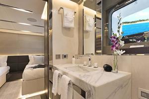 123' Admiral Motor Yacht 2014 Twin Guest Bath