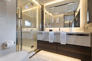 123' Admiral Motor Yacht 2014 Queen Guest Bath
