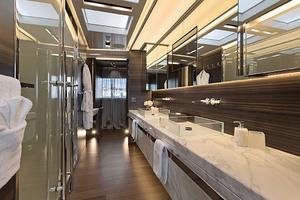 123' Admiral Motor Yacht 2014 Master Bath