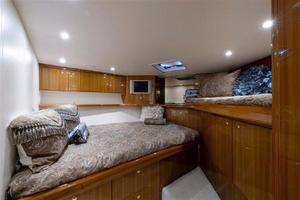 61' Viking 61' Convertible 2005 Guest Stateroom