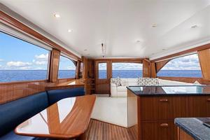 61' Viking 61' Convertible 2005 Dining