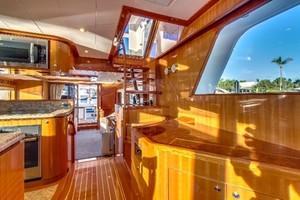 65' Hampton Endurance 658 2017 Excellent Visibility