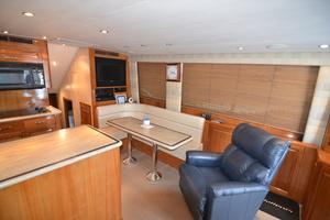 55' Hatteras 55 Convertible 2000 Salon NEW LaZBoy recliner