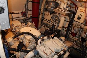 Hatteras-Motoryacht-1984-Proud-Mary-Annapolis-Maryland-United-States-Starboard-Engine-920808