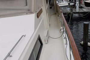 Hatteras-Motoryacht-1984-Proud-Mary-Annapolis-Maryland-United-States-Side-Deck-Aft-920819