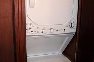 53' Hatteras Motoryacht 1984 Washer Dryer