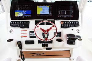 Hydra-Sports-Center-Console-2015-Flash-Coconut-Grove-Florida-United-States-Helm-368857