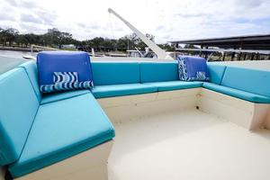 54' Hatteras Motor Yacht 1987 Flybridge Seating