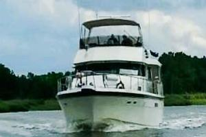 54' Hatteras Motor Yacht 1987 Underway from NC
