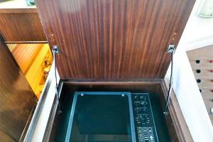 54' Hatteras Motor Yacht 1987 Radar Compartment