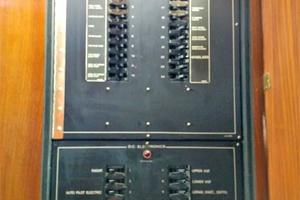 54' Hatteras Motor Yacht 1987 DC Electrical Panel