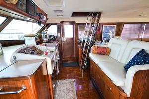 54' Hatteras Motor Yacht 1987 Helm Seating