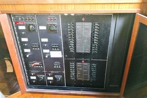 54' Hatteras Motor Yacht 1987 Main Distribution Panel