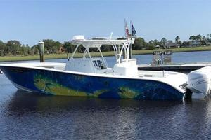 39' Yellowfin 39 2016 At Dock