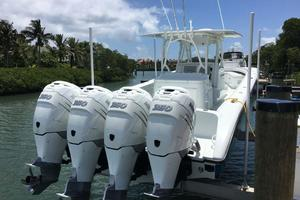 39' Yellowfin 39 2016 Engines