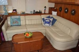 photo of Silverton-Motor-Yacht-2003-Tropical-Breeze-Daytona-Florida-United-States-Salon-Settee-924690