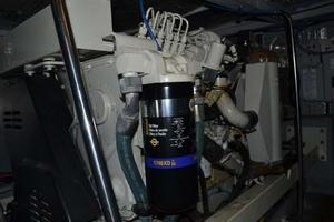 photo of Silverton-Motor-Yacht-2003-Tropical-Breeze-Daytona-Florida-United-States-Engine-Room-924700