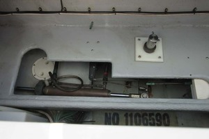 39' Mainship 390 Trawler 2001 Steering and Rudder Post