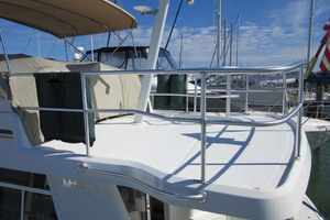 39' Mainship 390 Trawler 2001 Upper Deck