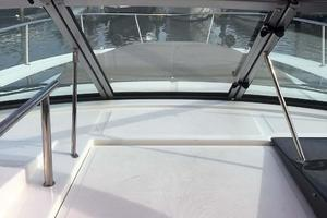 Sea-Ray-Sundancer-2015-Tyeland-Hyannis-Massachusetts-United-States-Walkthrough-Windshield-385210