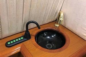 53' Ocean Yachts 53 Super Sport 1998 Wet Bar