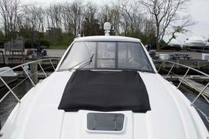 52' Regal 52 Sport Coupe 2008 Foredeck