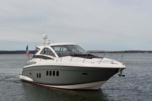 52' Regal 52 Sport Coupe 2008 Starboard Bow