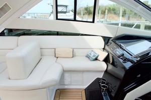 52' Regal 52 Sport Coupe 2008 Port Accommodations
