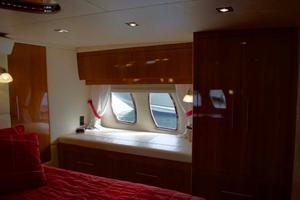 52' Regal 52 Sport Coupe 2008 Master Stateroom