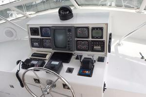 Custom-Carolina-Motor-Yacht-2000-Intermission-Wrightsville-Beach-North-Carolina-United-States-Upper-Helm-387725