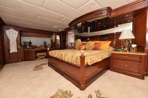 150' Trinity Yachts Semi-displacement 2000