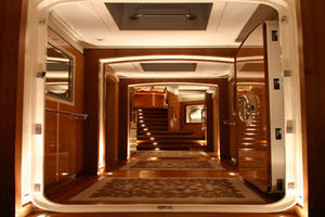 156' Pendennis High Performance Motorsailer 2004 Foyer
