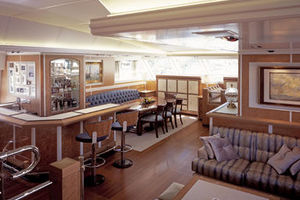 156' Pendennis High Performance Motorsailer 2004 Main salon