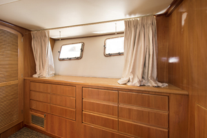 70' Mikelson Sportfisher 2000 VIP STATEROOM