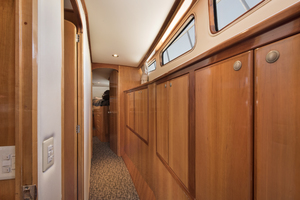 70' Mikelson  2000 PASSAGEWAY
