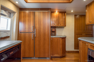 115' Westport - Crescent Tri-deck Motoryacht 1994 GALLEY