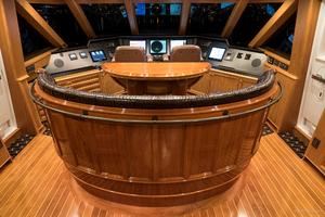 115' Westport - Crescent Tri-Deck Motoryacht 1994 SKY LOUNGE