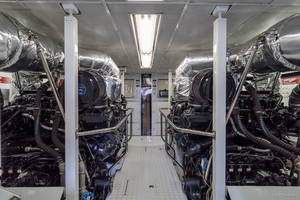 115' Westport - Crescent Tri-deck Motoryacht 1994 ENGINE ROOM