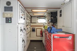 115' Westport - Crescent Tri-deck Motoryacht 1994 UTILITY ROOM
