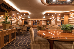115' Westport - Crescent Tri-Deck Motoryacht 1994 SALON DINING