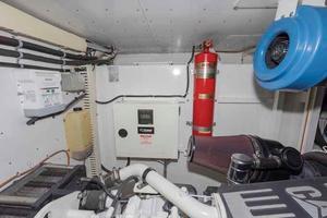 66' Neptunus Enclosed Skylounge 2005 Outboard Port Engine