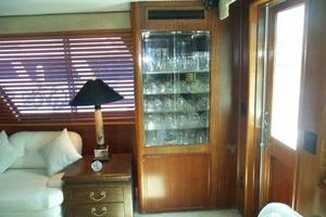 77' Hatteras Cockpit Motoryacht 1987 Glass Storage