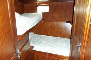 77' Hatteras Cockpit Motoryacht 1987 Crew Cabin