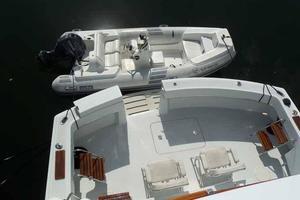 77' Hatteras Cockpit Motoryacht 1987 Cockpit/Tender