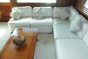 77' Hatteras Cockpit Motoryacht 1987 Starboard Settee