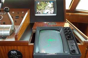 77' Hatteras Cockpit Motoryacht 1987 Helm Detail Starboard