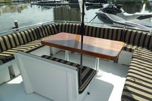 77' Hatteras Cockpit Motoryacht 1987 Flybridge Seating