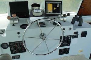 77' Hatteras Cockpit Motoryacht 1987 Helm Detail
