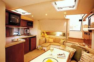 40' Trojan 400 Express Yacht 2000 Manufacturer Provided Image